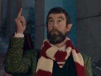 Un niño piensa que su padre es un elfo en la Navidad de El Corte Inglés