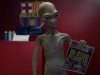 Un extraterrestre se cuela en el vestuario del F.C. Barcelona