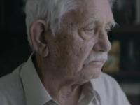 Un hombre finge su muerte en la emotiva campaña navideña de unos supermercados alemanes