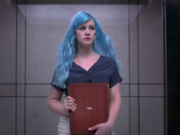 Dove sigue motivando a las mujeres (ahora a través de su cabello)