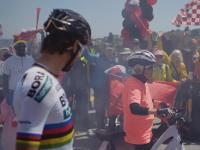 Una abuela, un campeón del mundo y una carrera en bicicleta