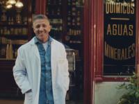 La farmacia 'más popular' protagoniza la campaña que homenajea al gremio